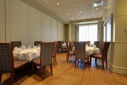 When set with round tables for 6, the Arlington Room seats up to 30